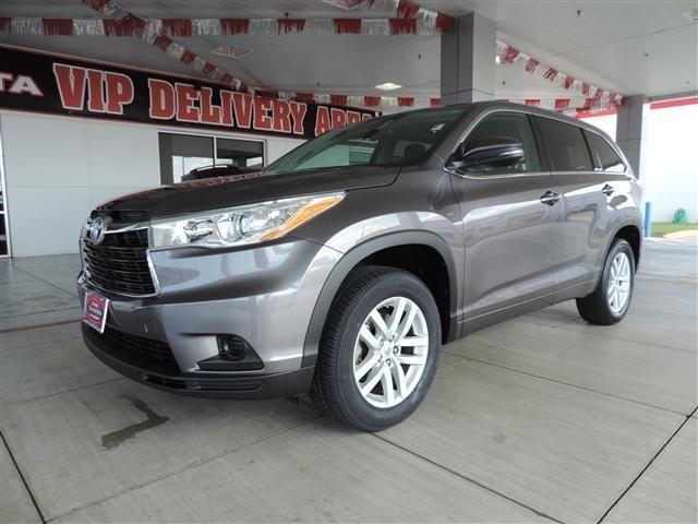 2014 toyota highlander le 4dr suv for sale in richmond texas classified. Black Bedroom Furniture Sets. Home Design Ideas