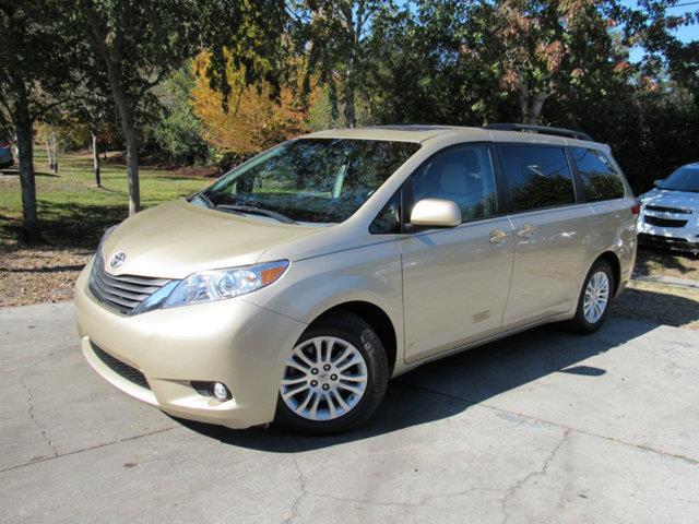 2014 Toyota Sienna XLE 8-Passenger XLE 8-Passenger 4dr