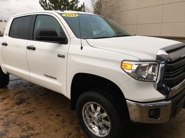 2014 toyota tundra sr5 4x4 sr5 4dr crewmax cab pickup sb. Black Bedroom Furniture Sets. Home Design Ideas