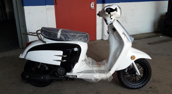 2015 150cc retro urban scooter
