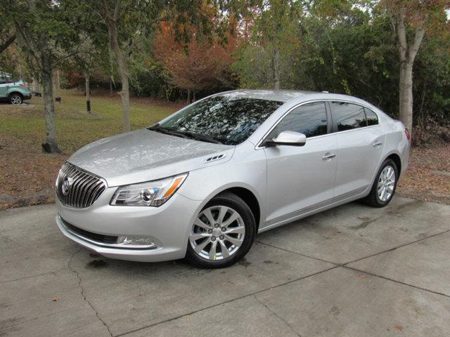 2015 Buick LaCrosse Base Base 4dr Sedan