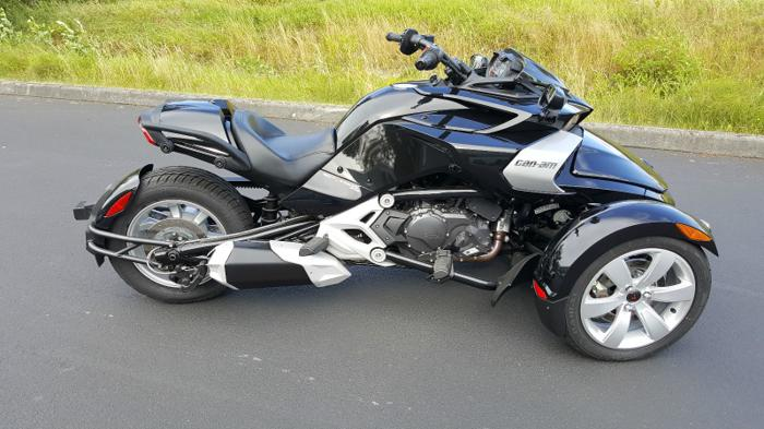 2015 Can-Am Spyder F3 6-Speed Manual motorcycle