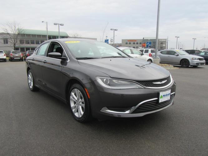2015 chrysler 200 limited limited 4dr sedan for sale in dubuque iowa classified. Black Bedroom Furniture Sets. Home Design Ideas