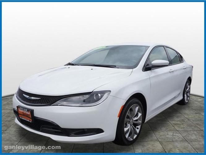 2015 chrysler 200 s s 4dr sedan for sale in concord ohio classified. Black Bedroom Furniture Sets. Home Design Ideas