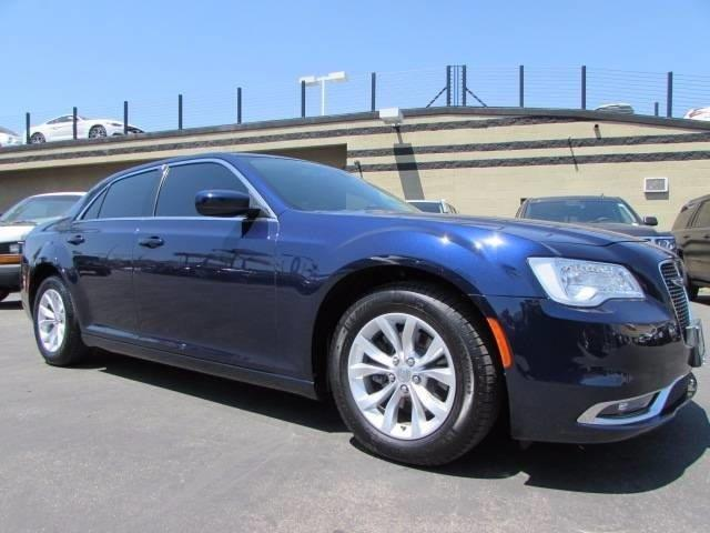 2015 Chrysler 300 Limited Limited 4dr Sedan