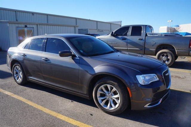 2015 Chrysler 300 Limited Limited 4dr Sedan
