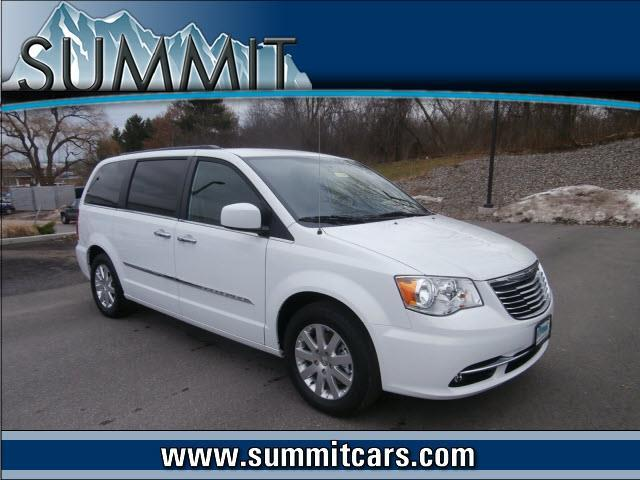 2015 chrysler town and country touring 4dr mini van for sale in kenwood new york classified. Black Bedroom Furniture Sets. Home Design Ideas
