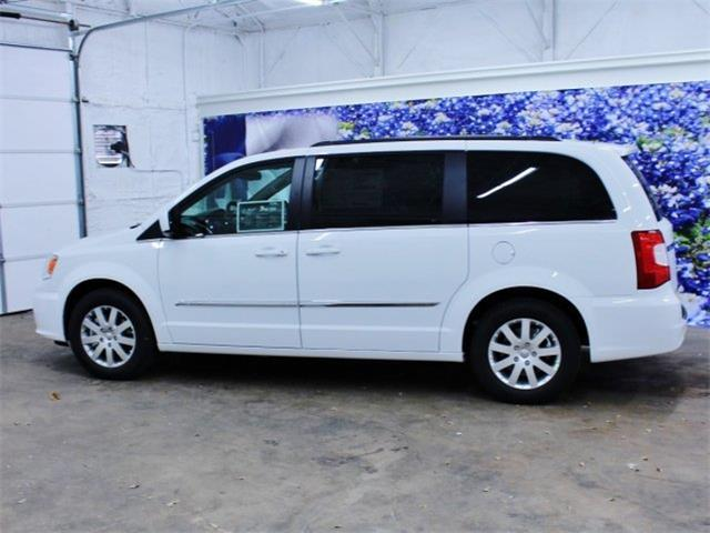 2015 Chrysler Town And Country Touring 4dr Mini Van For