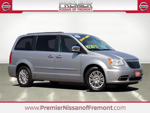 2015 Chrysler Town and Country Touring-L Touring-L 4dr