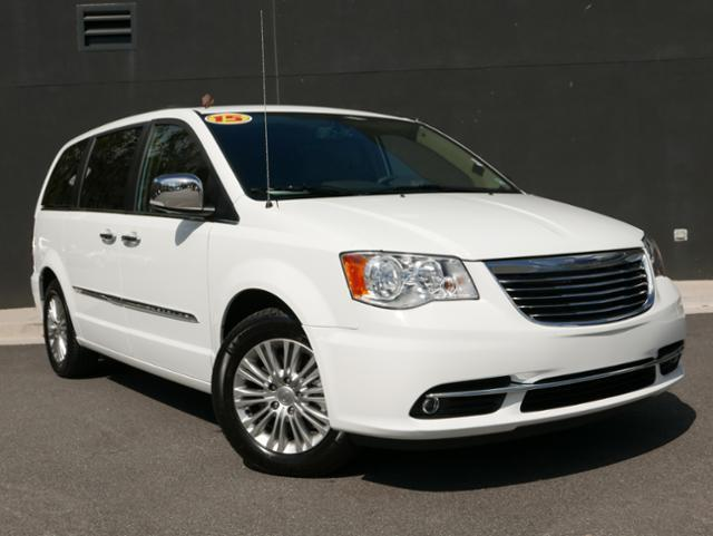 2015 chrysler town and country touring l touring l 4dr mini van for sale in barrett parkway. Black Bedroom Furniture Sets. Home Design Ideas