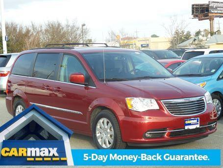 2015 Chrysler Town and Country Touring Touring 4dr