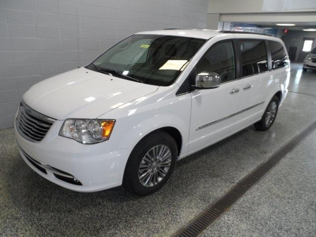 2015 chrysler town country for sale in cementville indiana classified. Black Bedroom Furniture Sets. Home Design Ideas