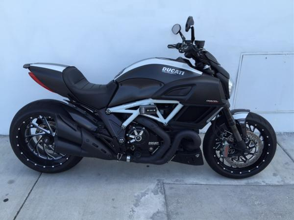 2015 ducati diavel carbon for sale in miami florida classified. Black Bedroom Furniture Sets. Home Design Ideas