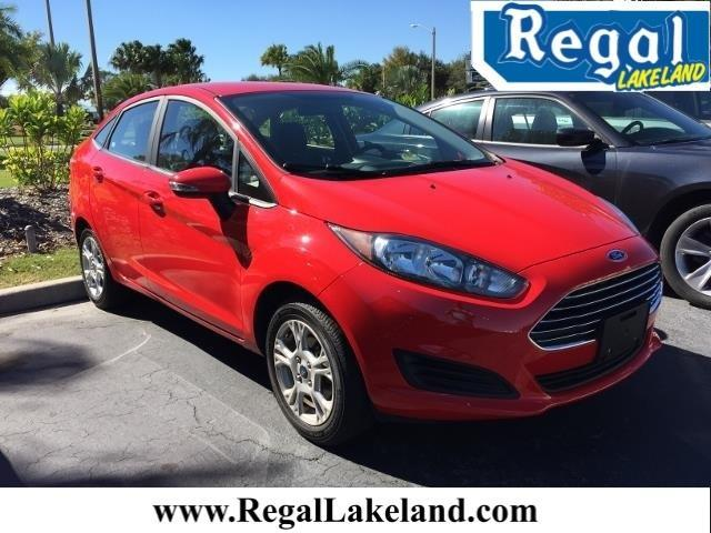 2015 Ford Fiesta SE SE 4dr Sedan