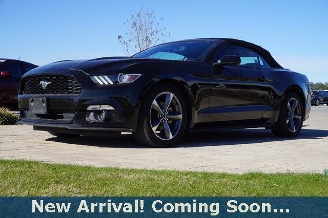 2015 ford mustang v6 v6 2dr convertible for sale in killeen texas. Black Bedroom Furniture Sets. Home Design Ideas