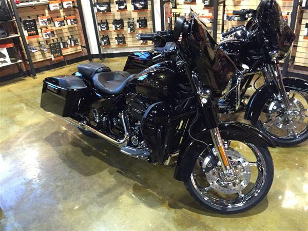 2015 harley davidson cvo street glide for sale in ada west virginia classified. Black Bedroom Furniture Sets. Home Design Ideas