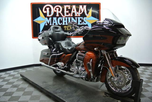 2015 Harley-Davidson FLTRUSE - Screamin Eagle Road Glide Ultra CVO 11