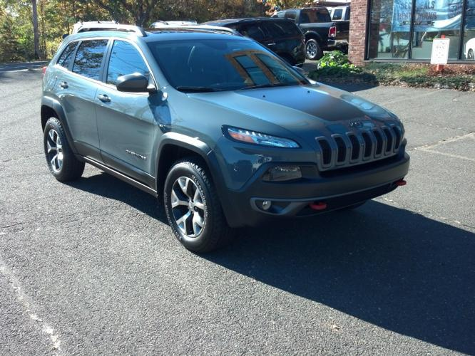 2015 jeep cherokee trailhawk 4x4 trailhawk 4dr suv for sale in fairfield connecticut classified. Black Bedroom Furniture Sets. Home Design Ideas