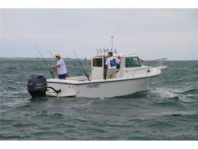 2015 Parker Boats 2320 SL Sport Cabin