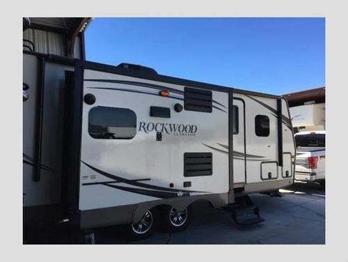 2015 Rockwood Ultra Lite 2304DS