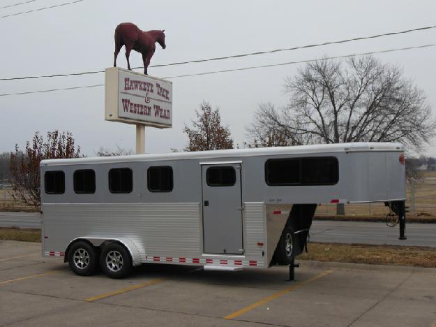 2015 Sundowner Super Sport 4 Horse Gooseneck Trailer for Sale in Des