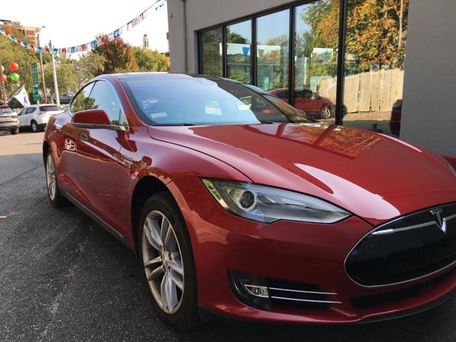 2015 tesla model s 85d for sale in chicago illinois classified. Black Bedroom Furniture Sets. Home Design Ideas