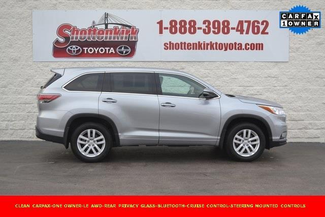 2015 toyota highlander le awd le 4dr suv for sale in quincy illinois classified. Black Bedroom Furniture Sets. Home Design Ideas