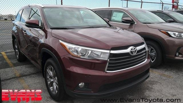 2015 toyota highlander xle awd xle 4dr suv for sale in fort wayne indiana classified. Black Bedroom Furniture Sets. Home Design Ideas