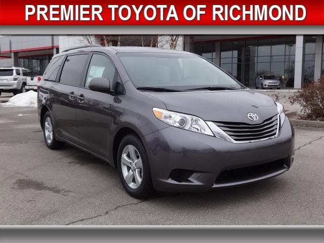 2015 toyota sienna le 7 passenger auto access seat 4dr. Black Bedroom Furniture Sets. Home Design Ideas