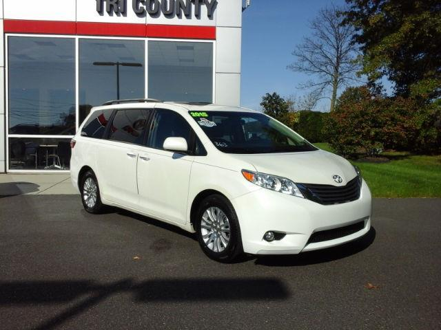 2015 toyota sienna xle 7 passenger auto access seat xle 7. Black Bedroom Furniture Sets. Home Design Ideas