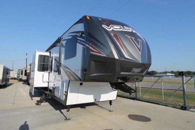 2015 VOLTAGE 3805 - FIFTH WHEEL TOY HAULER - 14' GARAGE