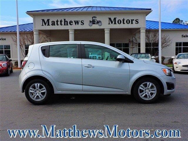 2016 chevrolet sonic lt auto lt auto 4dr hatchback for for Matthews motors goldsboro nc