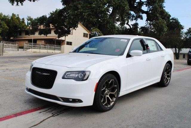 2016 chrysler 300 s s 4dr sedan for sale in canyon lake texas classified. Black Bedroom Furniture Sets. Home Design Ideas