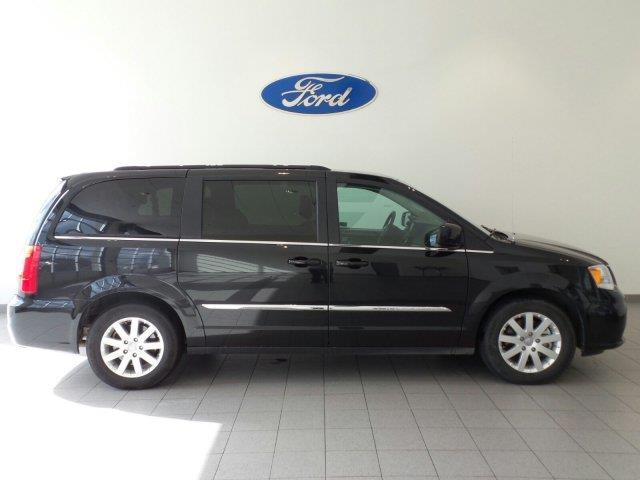 2016 chrysler town and country touring touring 4dr mini van for sale in marysville washington. Black Bedroom Furniture Sets. Home Design Ideas