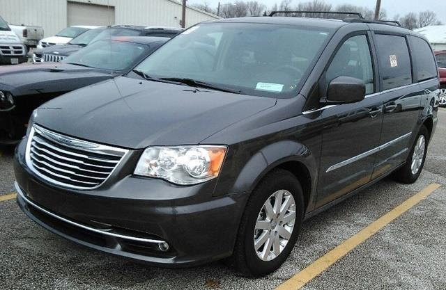2016 chrysler town and country touring touring 4dr mini van for sale in madison ohio classified. Black Bedroom Furniture Sets. Home Design Ideas