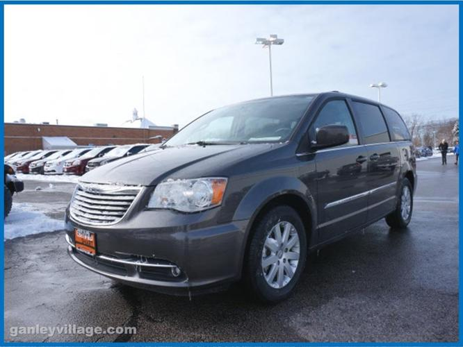 2016 chrysler town and country touring touring 4dr mini van for sale in concord ohio classified. Black Bedroom Furniture Sets. Home Design Ideas