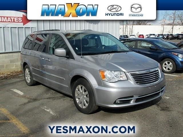 2016 chrysler town and country touring touring 4dr mini van for sale in chestnut new jersey. Black Bedroom Furniture Sets. Home Design Ideas