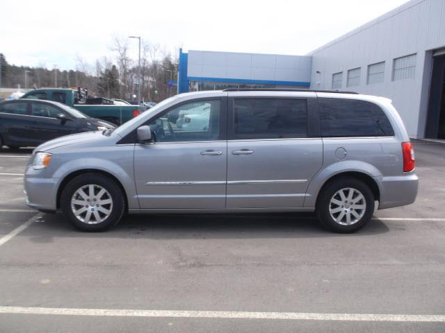 2016 chrysler town and country touring touring 4dr mini van for sale in morrisville vermont. Black Bedroom Furniture Sets. Home Design Ideas