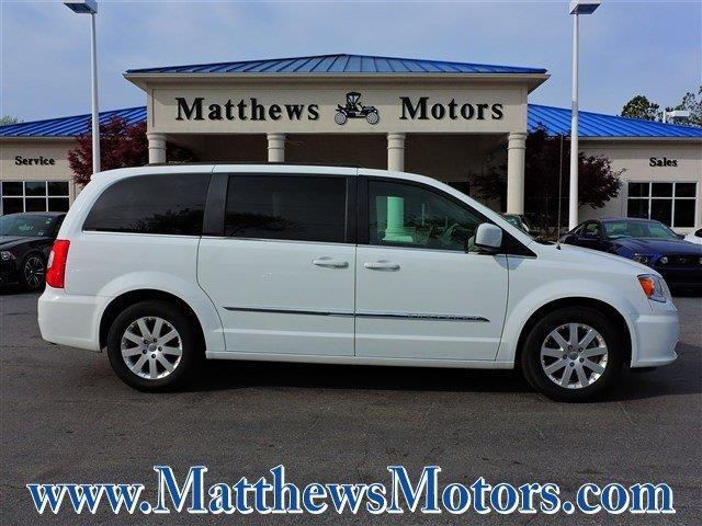 2016 chrysler town and country touring touring 4dr mini for Matthews motors goldsboro nc