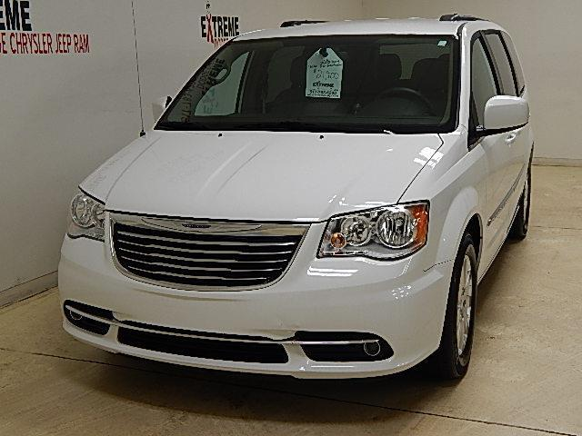 2016 chrysler town and country touring touring 4dr mini van for sale in jackson michigan. Black Bedroom Furniture Sets. Home Design Ideas