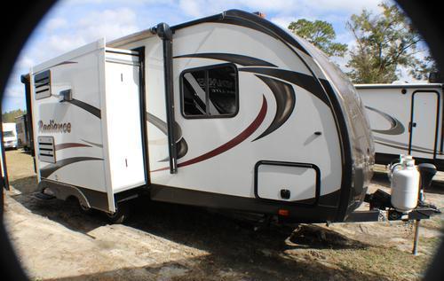 2016 CRUISER RV RADIANCE 21RBIK for Sale in Ocala, Florida