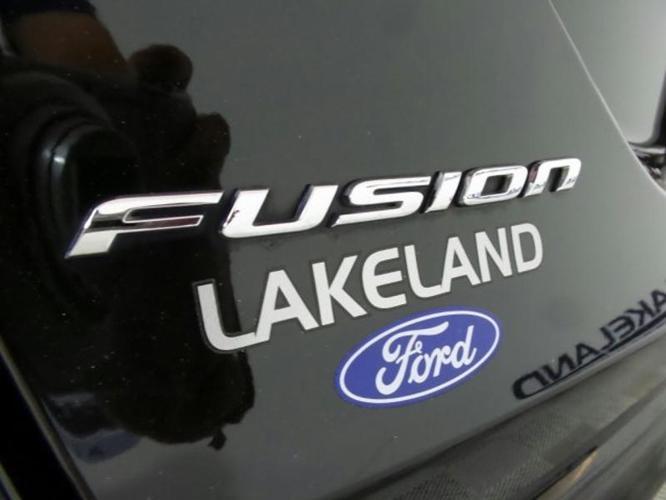2016 Ford Fusion SE SE 4dr Sedan