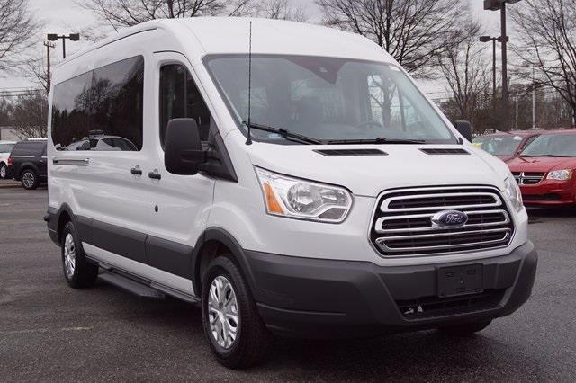 2016 ford transit wagon 350 xl 350 xl 3dr lwb medium roof. Black Bedroom Furniture Sets. Home Design Ideas