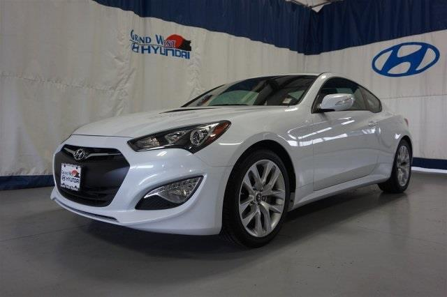 2016 hyundai genesis coupe 3 8 3 8 2dr coupe 6m w black interior for sale in grand junction. Black Bedroom Furniture Sets. Home Design Ideas