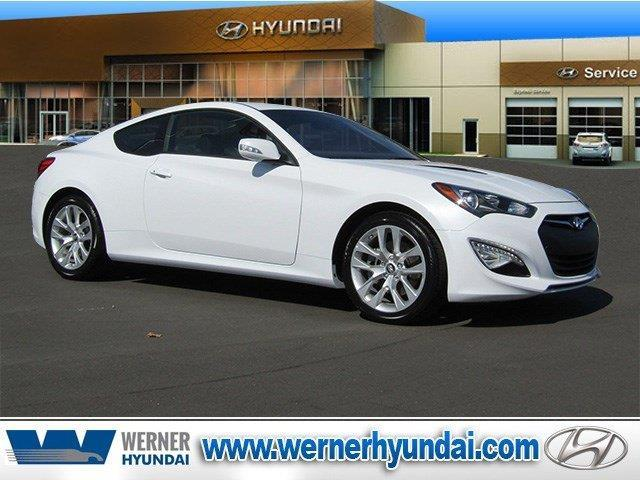 2016 Hyundai Genesis Coupe 3.8 3.8 2dr Coupe 8A w/Black