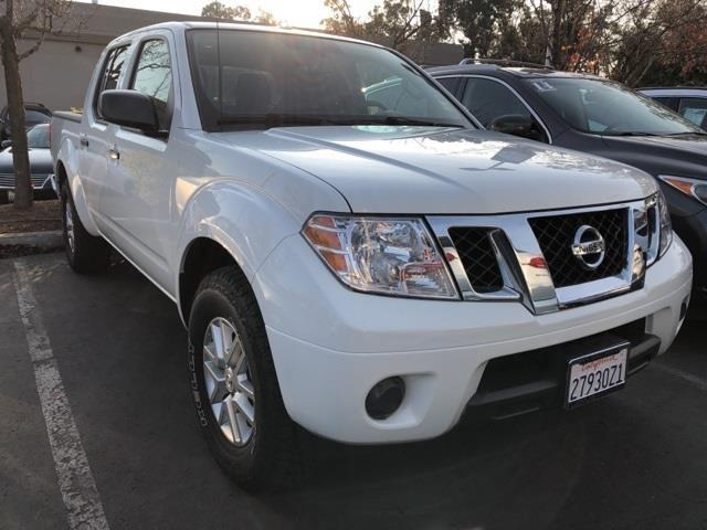 2016 Nissan Frontier SV 4x2 SV 4dr Crew Cab 5 ft. SB