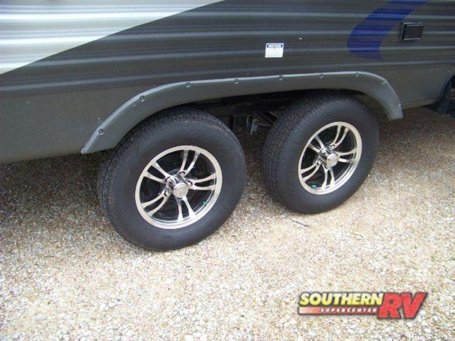 2016 palomino puma 21tfu toy hauler travel trailer for sale in tyler texas classified. Black Bedroom Furniture Sets. Home Design Ideas
