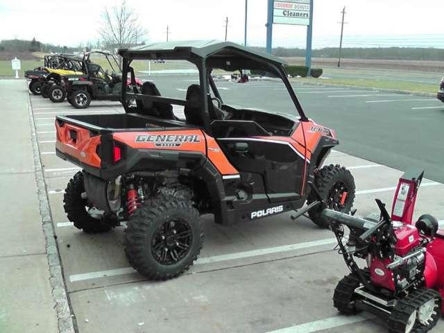 2016 Polaris GENERAL™ 1000 EPS Deluxe