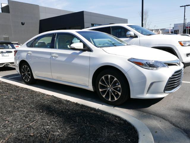 2016 toyota avalon limited limited 4dr sedan for sale in barrett parkway georgia classified. Black Bedroom Furniture Sets. Home Design Ideas