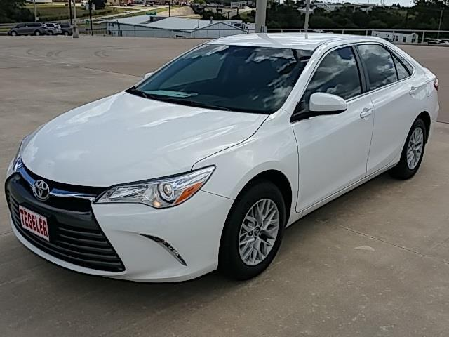 2016 toyota camry le le 4dr sedan for sale in brenham texas classified. Black Bedroom Furniture Sets. Home Design Ideas